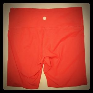 Lululemon cropped orange Wunder Under Pants EUC